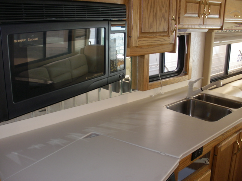 2000-Country-Coach-Allure-Kitchen-Cntr-2nd-View