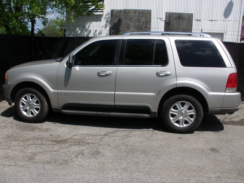 http://goawd.com/_wp/wp-content/uploads/2014/10/Lincoln-Aviator-Driver-side.png