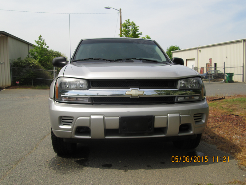 2007-Chevrolet-Trailblazer-Light-Grey-Front