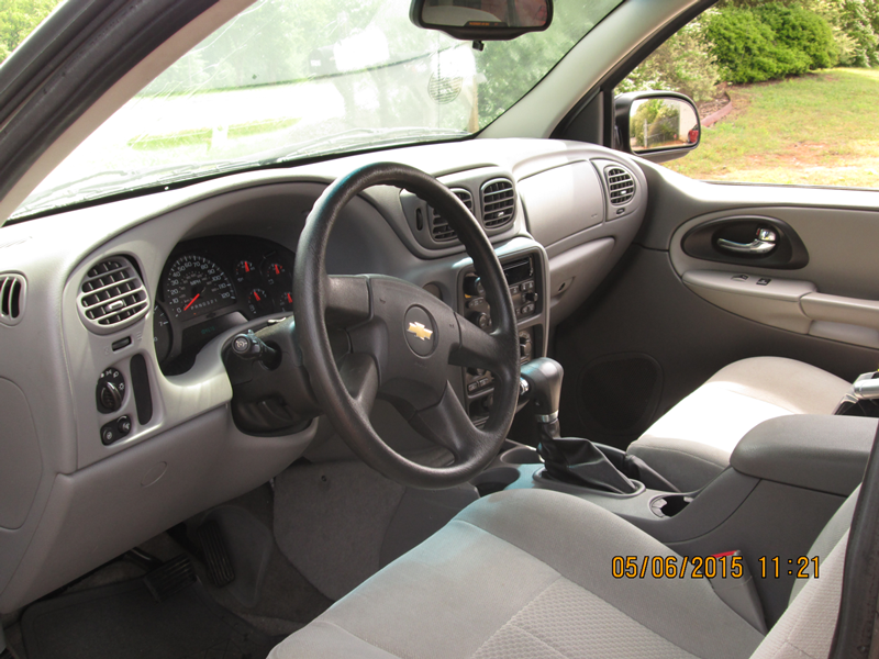 2007-Chevrolet-Trailblazer-Light-Grey--Interior