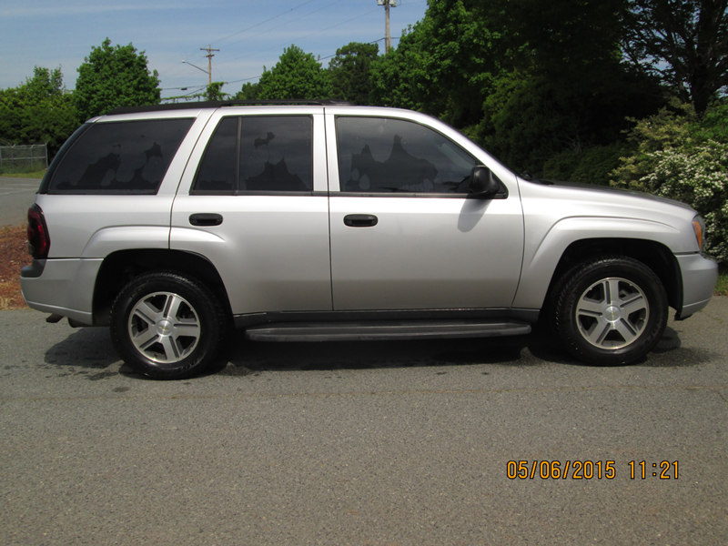 2007-Chevrolet-Trailblazer-Light-Grey-Passenger