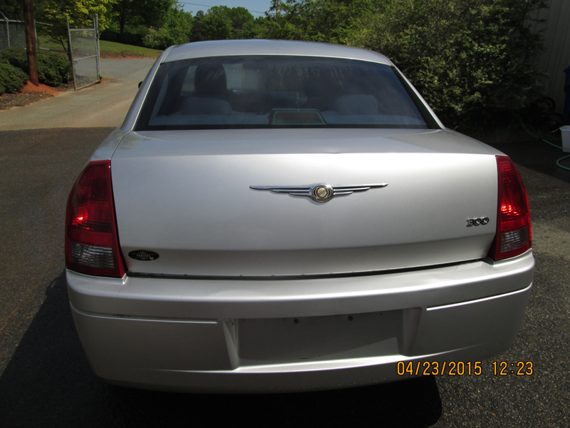 WNC---26-13-FBI-004092-2006-CHRYSLER-300M-SEDAN-(4)