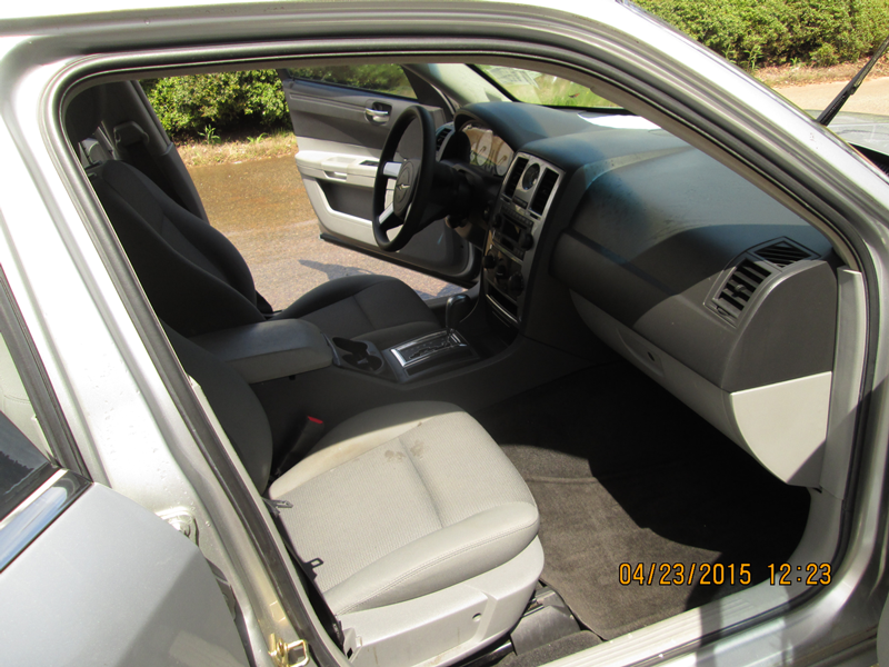 WNC---26-13-FBI-004092-2006-CHRYSLER-300M-SEDAN-(6)