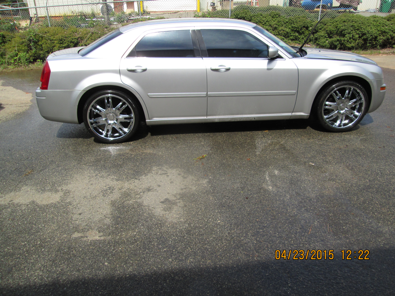 WNC---26-13-FBI-004092-2006-CHRYSLER-300M-SEDAN